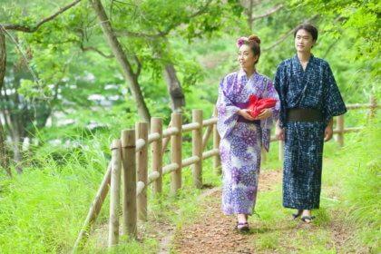 夏イメージで浴衣を着たカップル|山形モデルネット