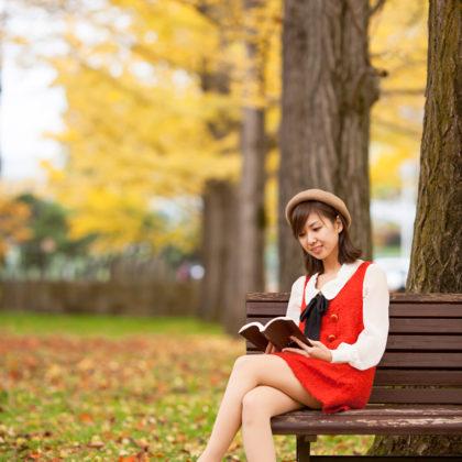 見頃を迎えた銀杏並木で秋イメージの撮影 山形モデルネット