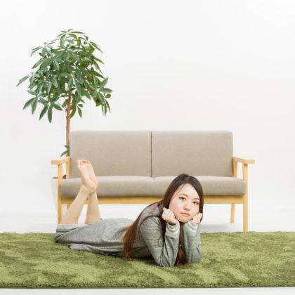 ラフな部屋着で寛ぐ女の子の撮影|山形モデルネット