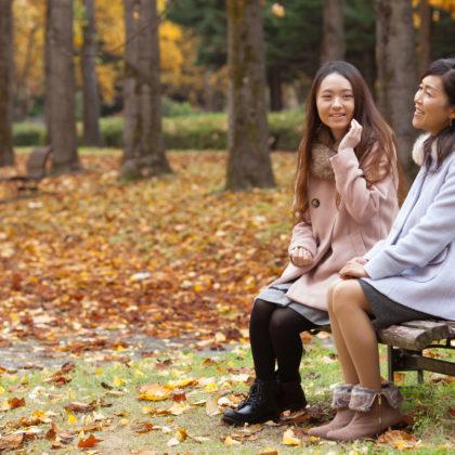 黄色に染まった銀杏並木でモデル撮影|山形モデルネット
