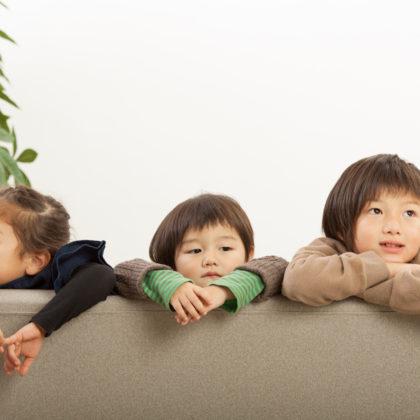 ママと一緒に元気いっぱいの4人の子供たちと楽しい撮影|山形モデルネット